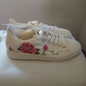 Sugar floral sneakers size 10M